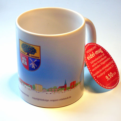 """Wappen-Becher """"eidel-mug"""" mit Panoramamotiv von Eidelstedt über dem das Wappen schwebt"""